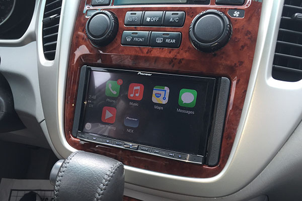 CarPlay + RADAR + LIDAR – Toyota Highlander | Radio-Active