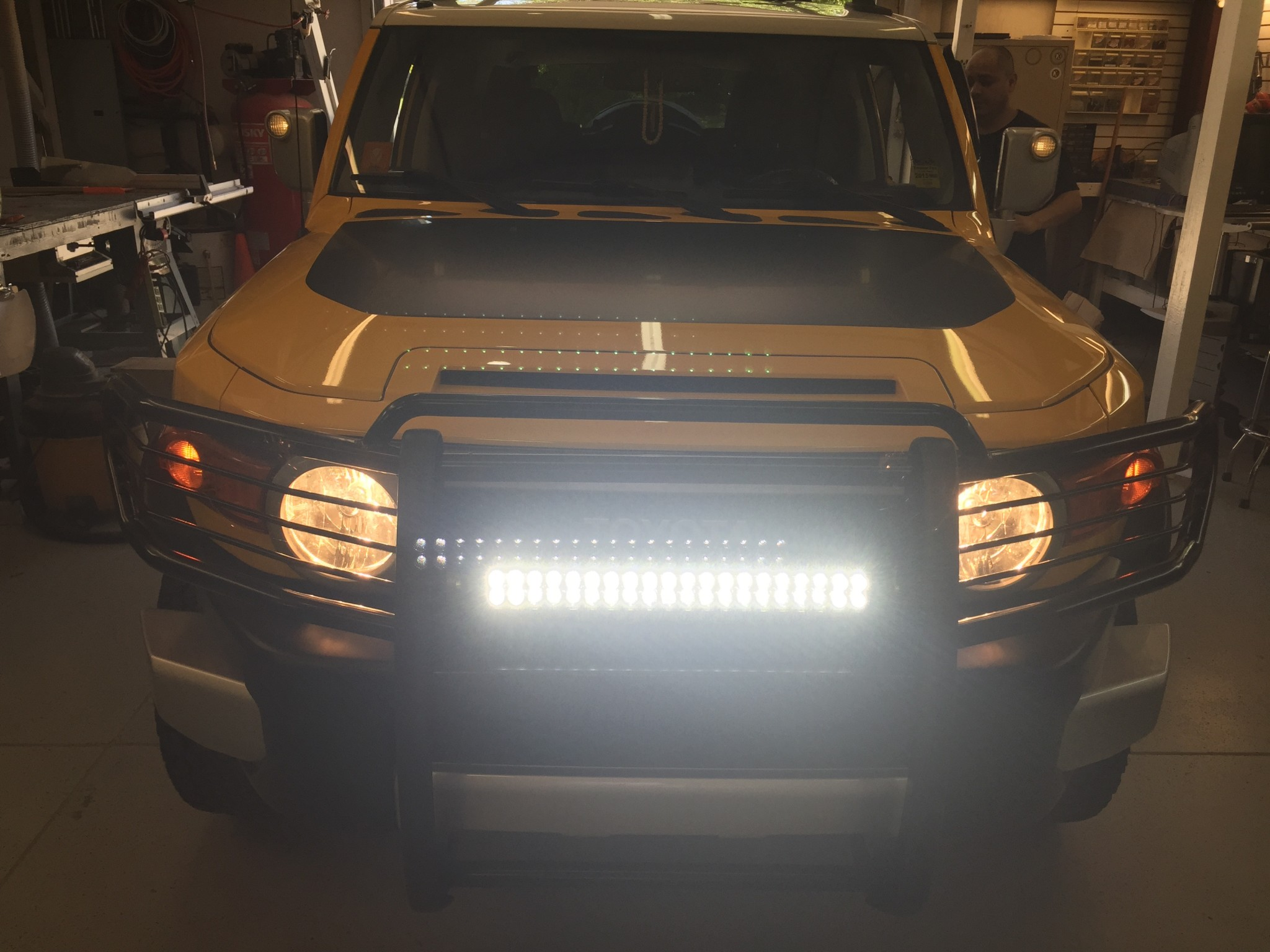 2010 Toyota Fj Cruiser  Smartphone Friendly Radio And Let There Be Light